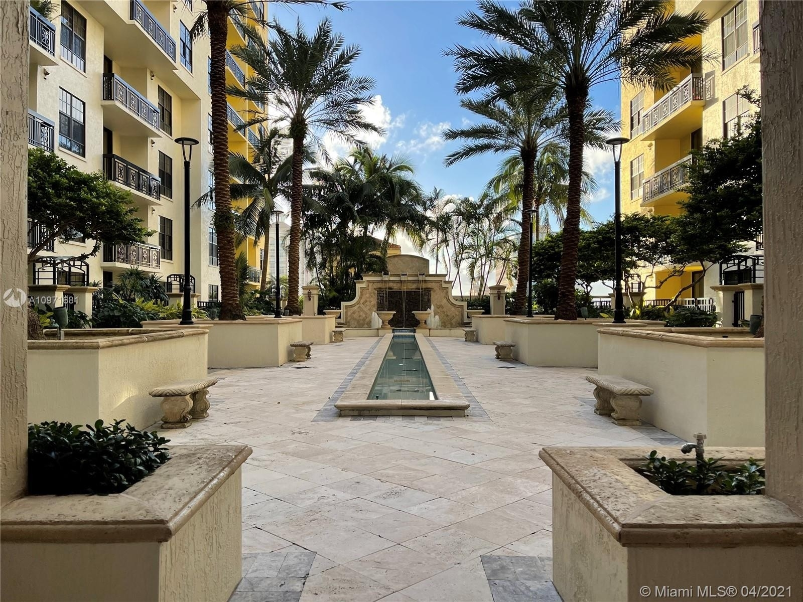 33. Condominiums pour l Vente à 801 S Olive Ave , 433 Loftin District, West Palm Beach, FL 33401