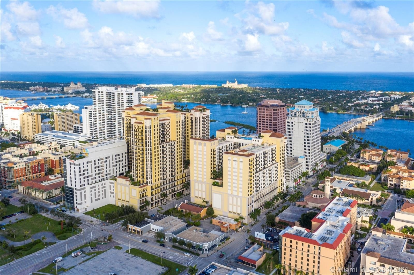 37. Condominiums pour l Vente à 801 S Olive Ave , 433 Loftin District, West Palm Beach, FL 33401