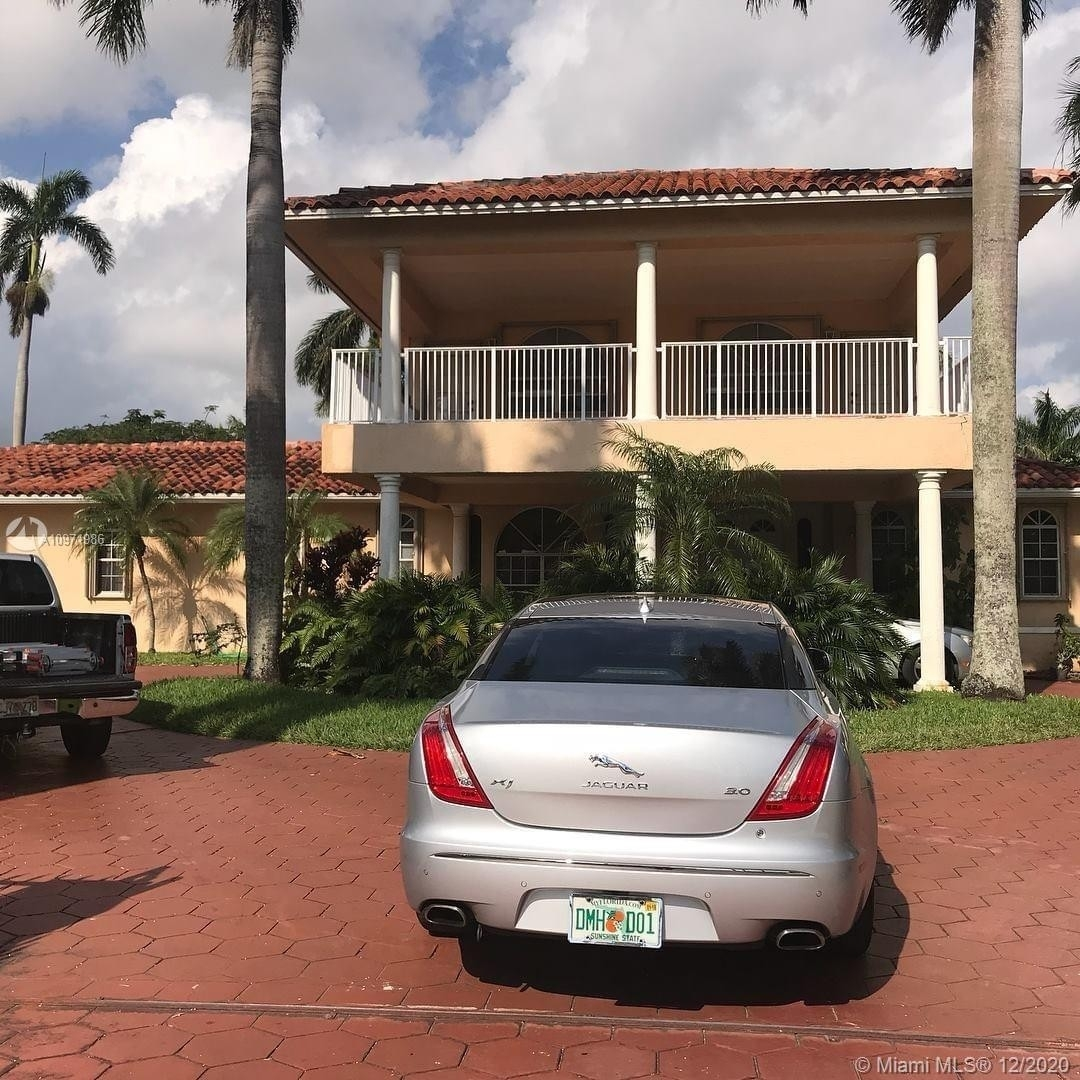 Single Family Home for Sale at Golden Glades, Miami, FL 33162