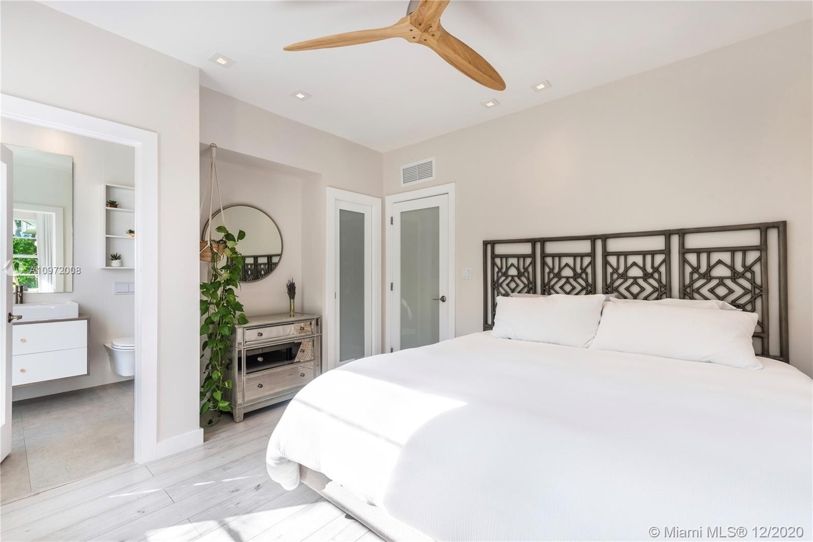 6. Condominiums for Sale at 1435 West Ave , 1 South Beach, Miami Beach, FL 33139