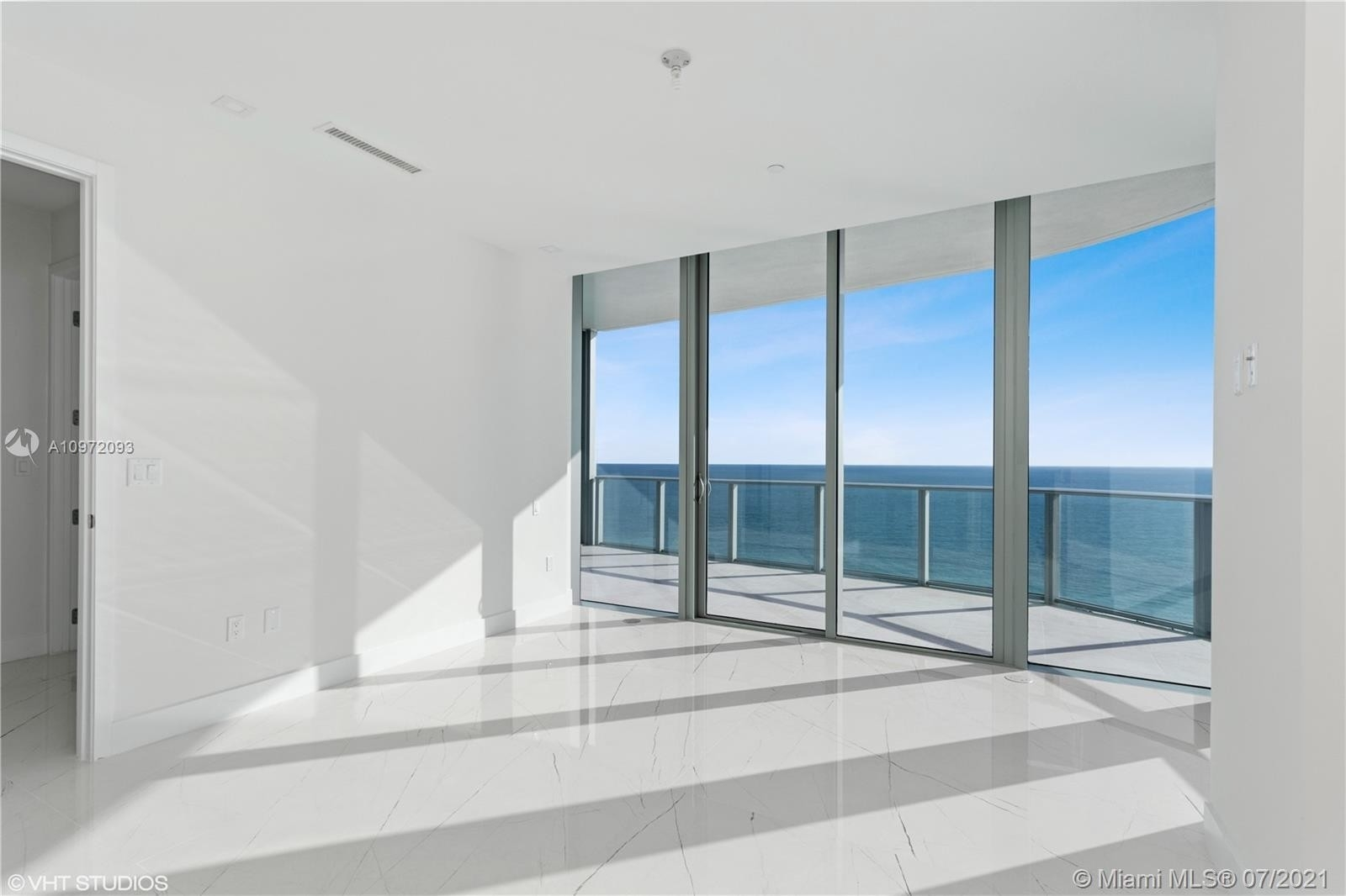 26. Condominiums for Sale at 17475 Collins Ave , 1501 Sunny Isles Beach, FL 33160