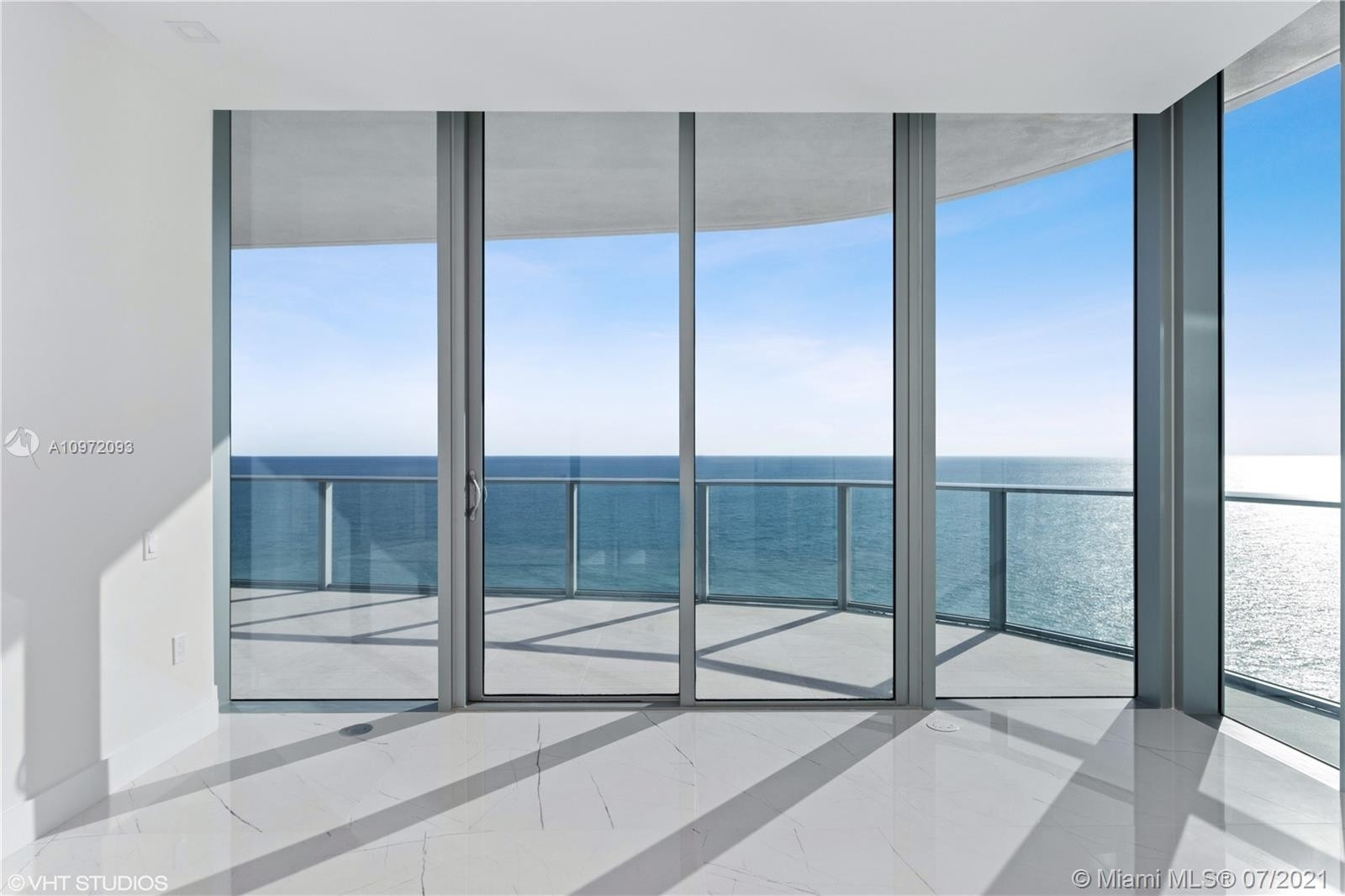 24. Condominiums for Sale at 17475 Collins Ave , 1501 Sunny Isles Beach, FL 33160