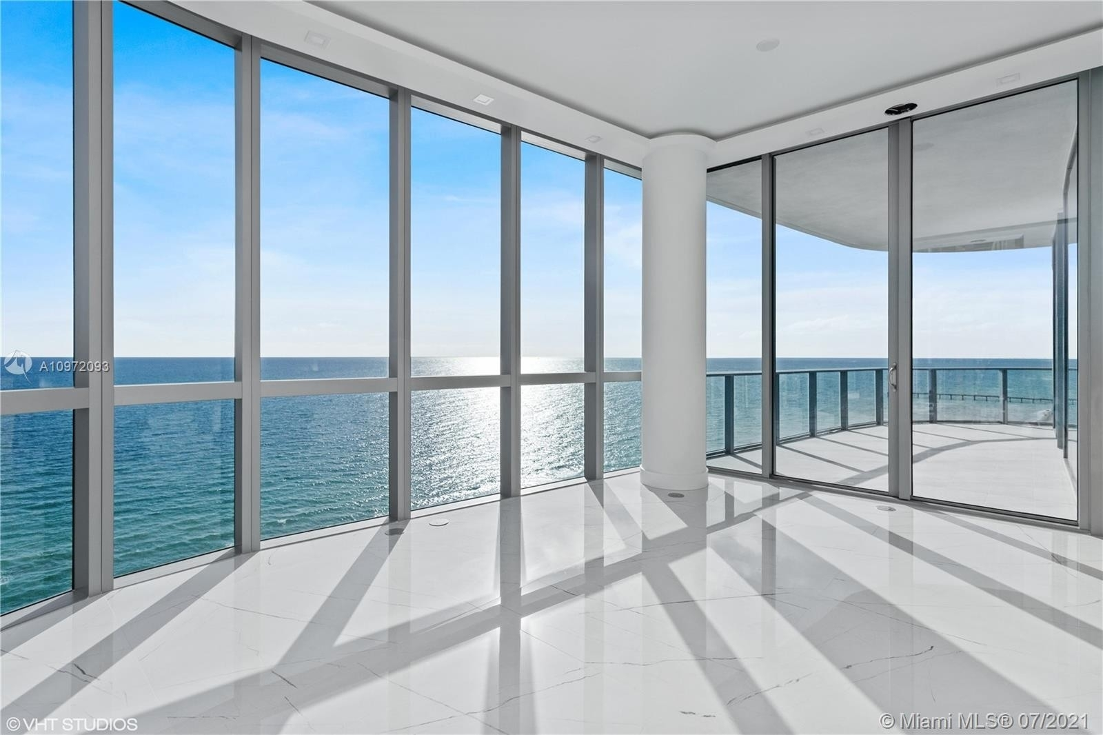 18. Condominiums for Sale at 17475 Collins Ave , 1501 Sunny Isles Beach, FL 33160