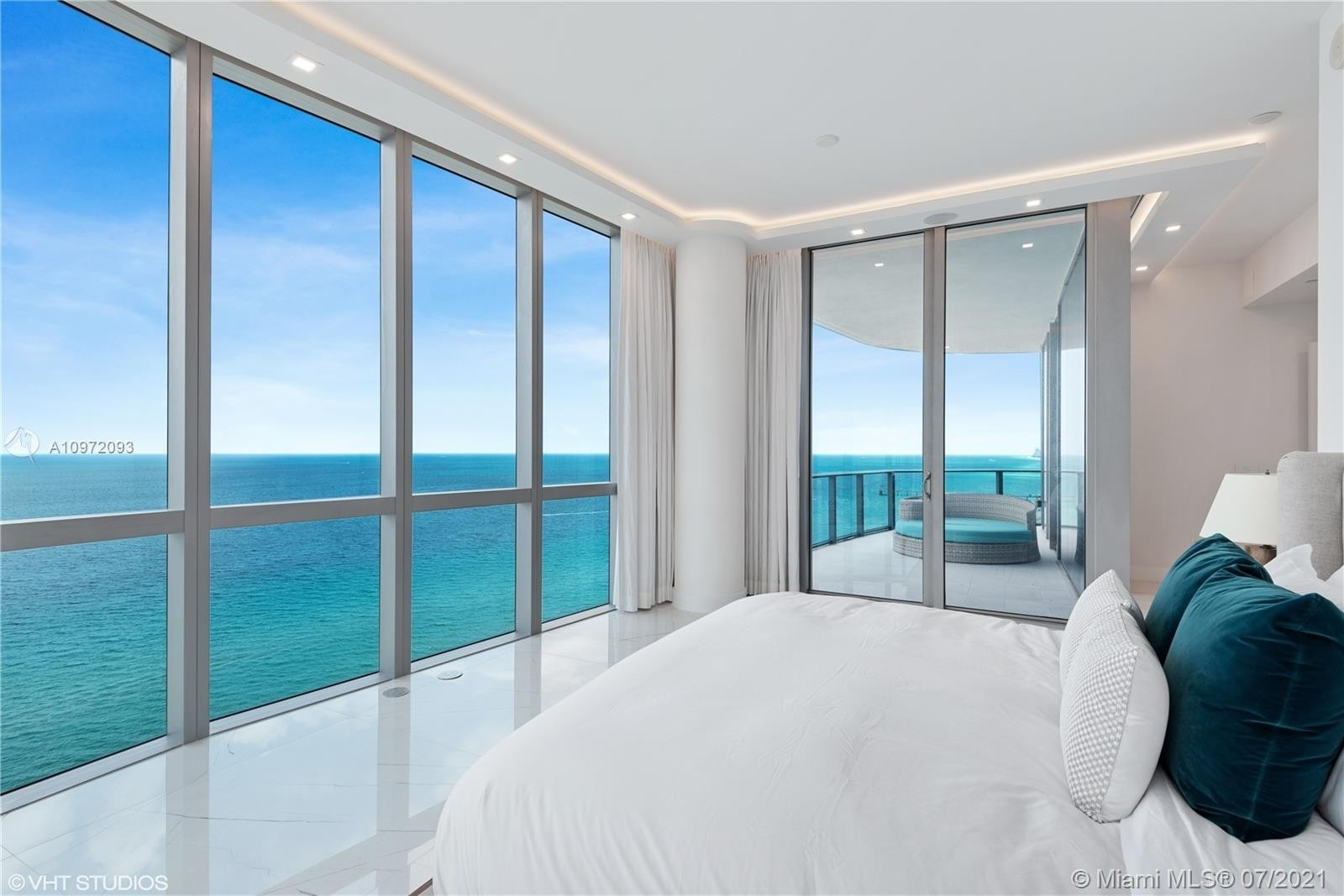 19. Condominiums for Sale at 17475 Collins Ave , 1501 Sunny Isles Beach, FL 33160