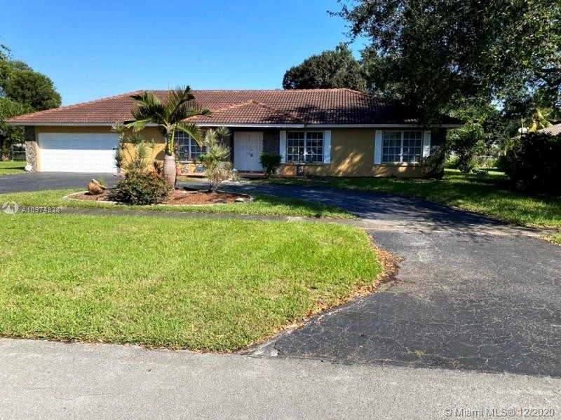 Single Family Home for Sale at North Lauderdale, FL 33317