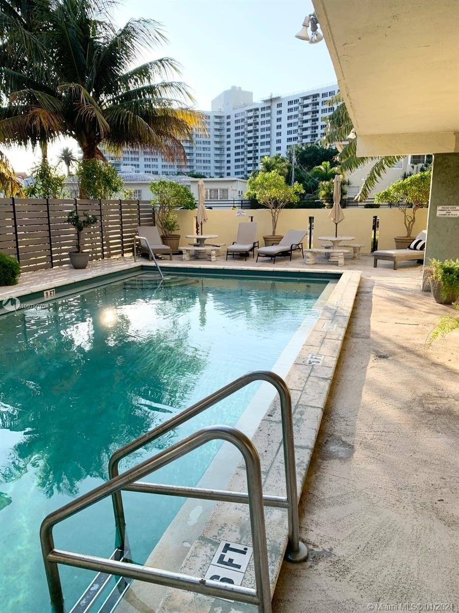 18. Condominiums for Sale at 1455 West Ave , 504 South Beach, Miami Beach, FL 33139