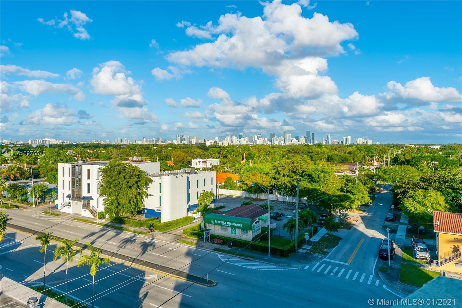 Property à 2550 SW 27th Ave , 605 The Pines, Miami, FL 33133