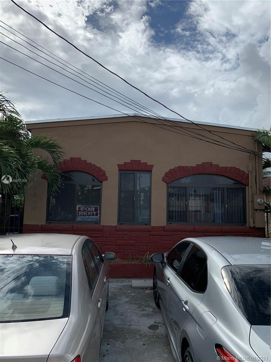 2. Multi Family Townhouse por un Venta en Beverly Heights, Miami, FL 33142
