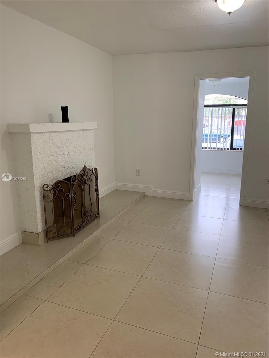 13. Multi Family Townhouse por un Venta en Beverly Heights, Miami, FL 33142