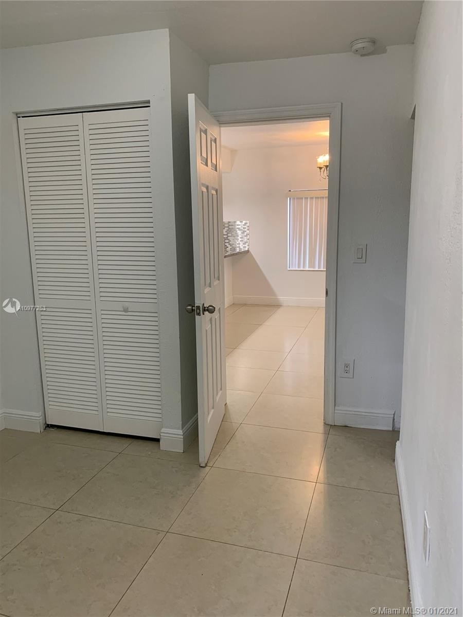 12. Multi Family Townhouse por un Venta en Beverly Heights, Miami, FL 33142