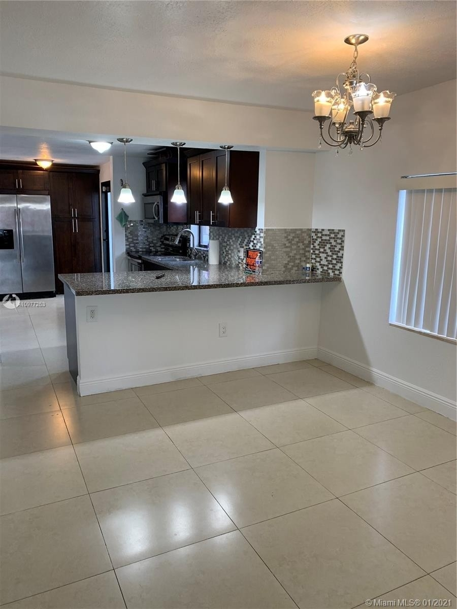 7. Multi Family Townhouse por un Venta en Beverly Heights, Miami, FL 33142