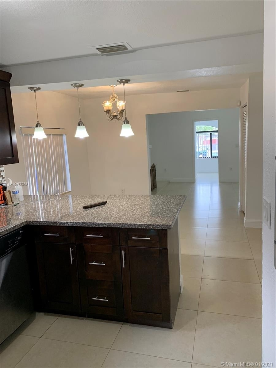 4. Multi Family Townhouse por un Venta en Beverly Heights, Miami, FL 33142