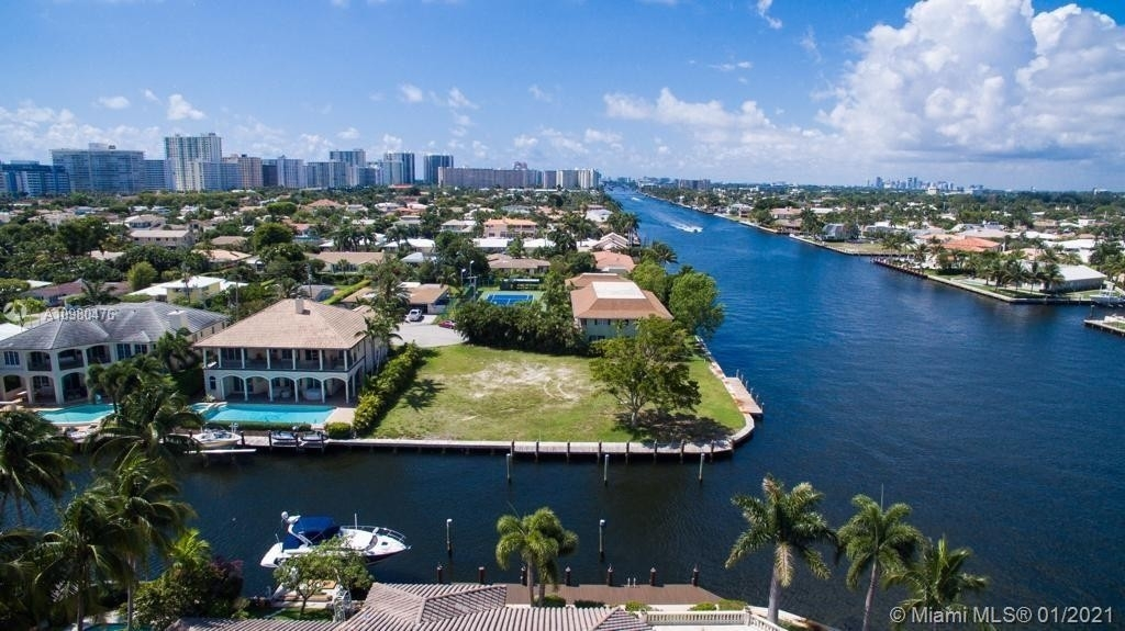 Single Family Home for Sale at Lauderdale By The Sea, FL 33308