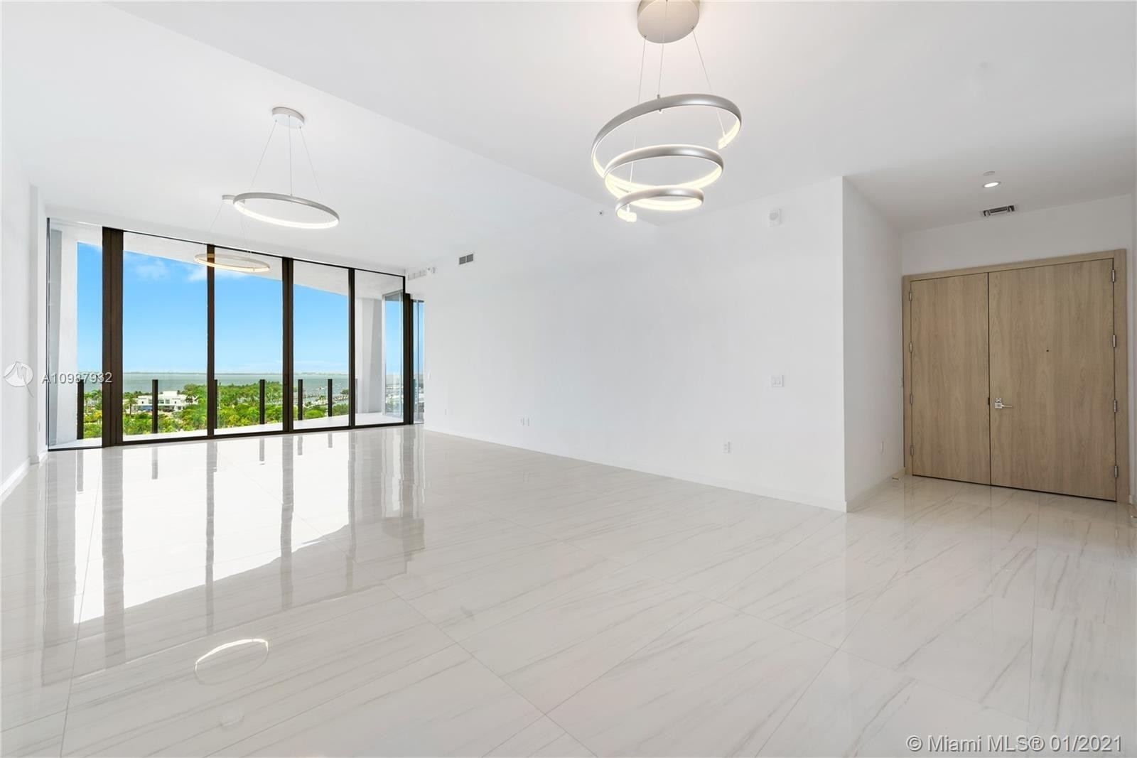 3. Condominiums for Sale at 2811 S Bayshore , 9B Coconut Grove, FL 33133