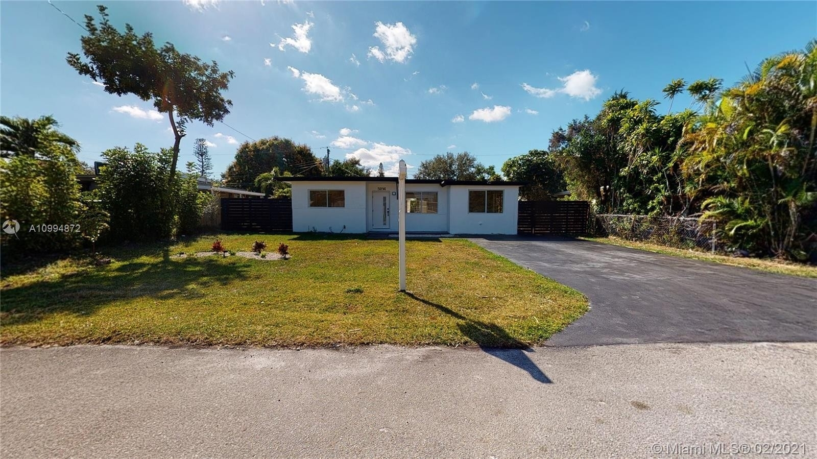 Single Family Home for Sale at 441 Corridor, Hollywood, FL 33021