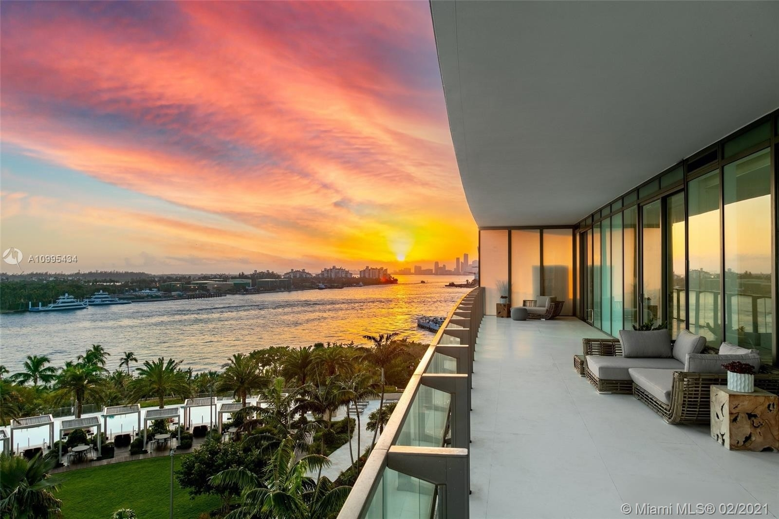Condominium 在 800 S Pointe Dr , 801 Miami Beach