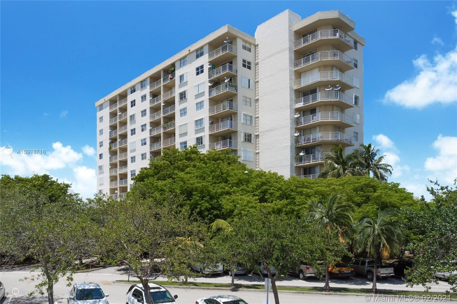Condominium 在 6900 Bay Dr , 5L Miami Beach