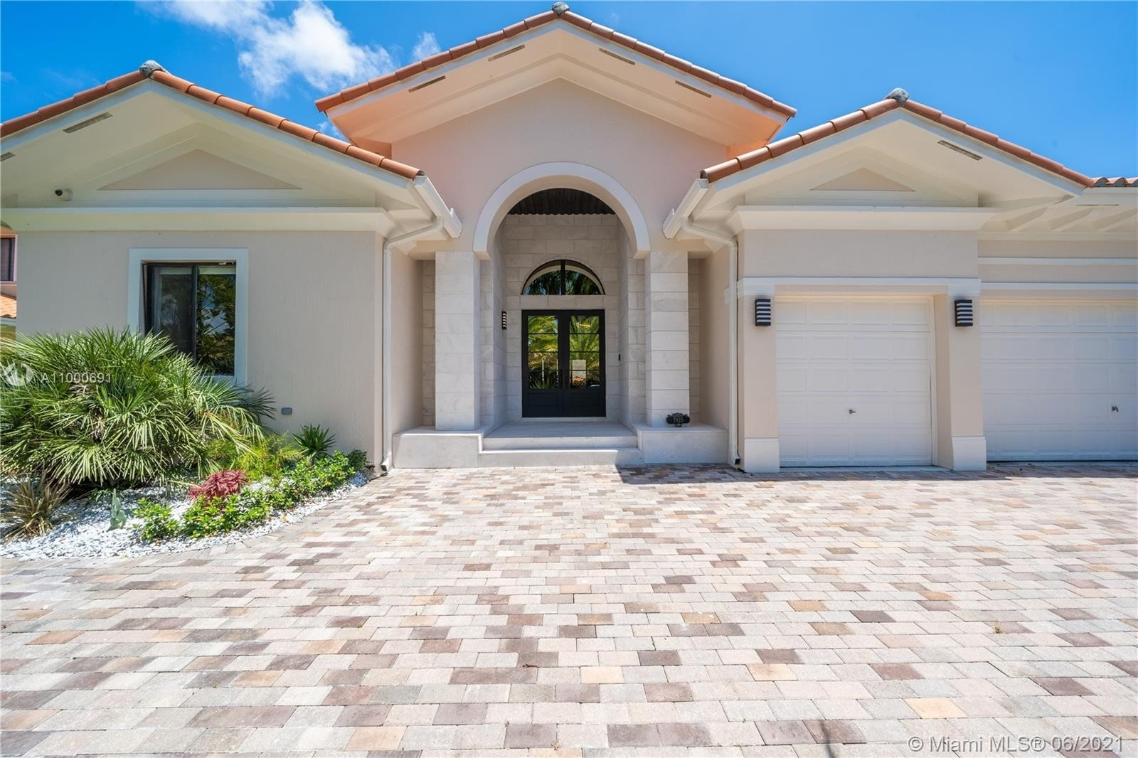 Single Family Home for Sale at Cutler Bay, FL 33157
