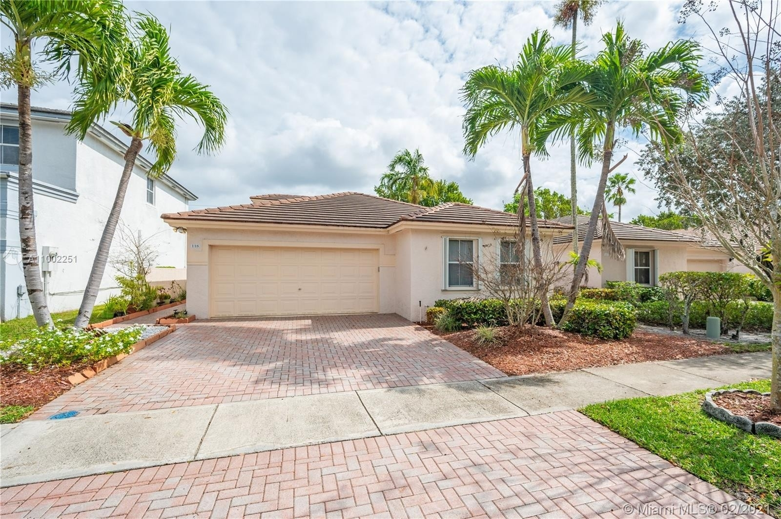 Single Family Home for Sale at Plantation Drive, Plantation, FL 33317