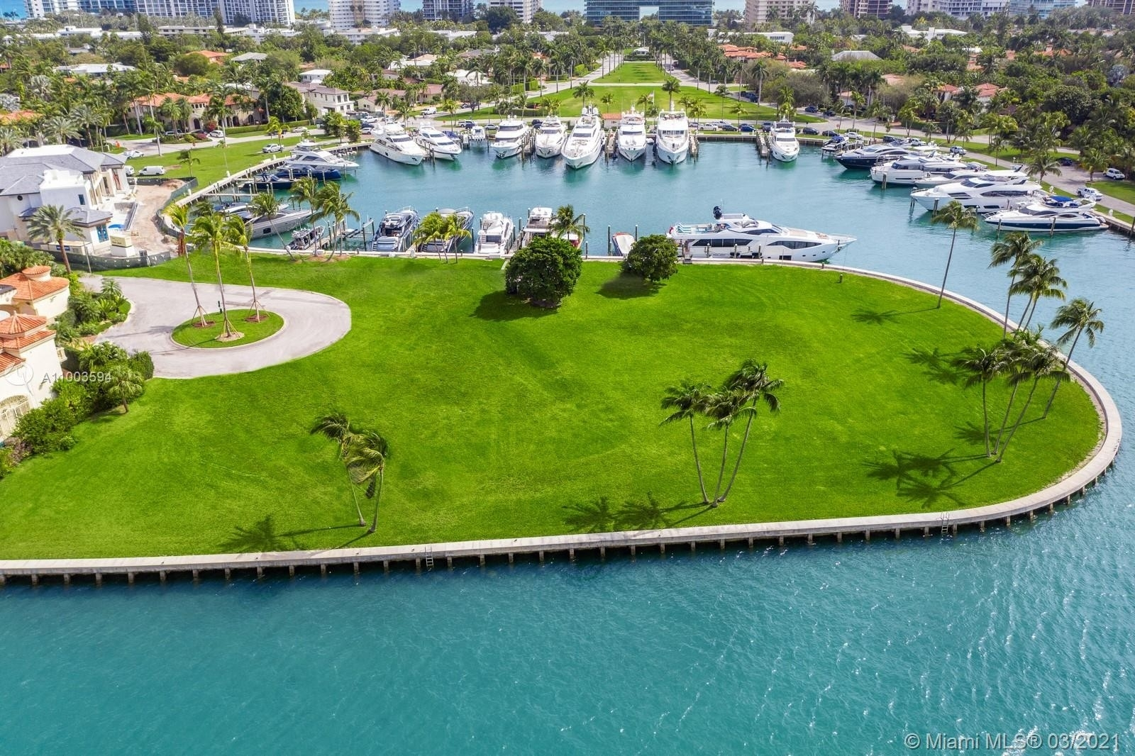 4. Single Family Homes for Sale at Bal Harbour, FL 33154