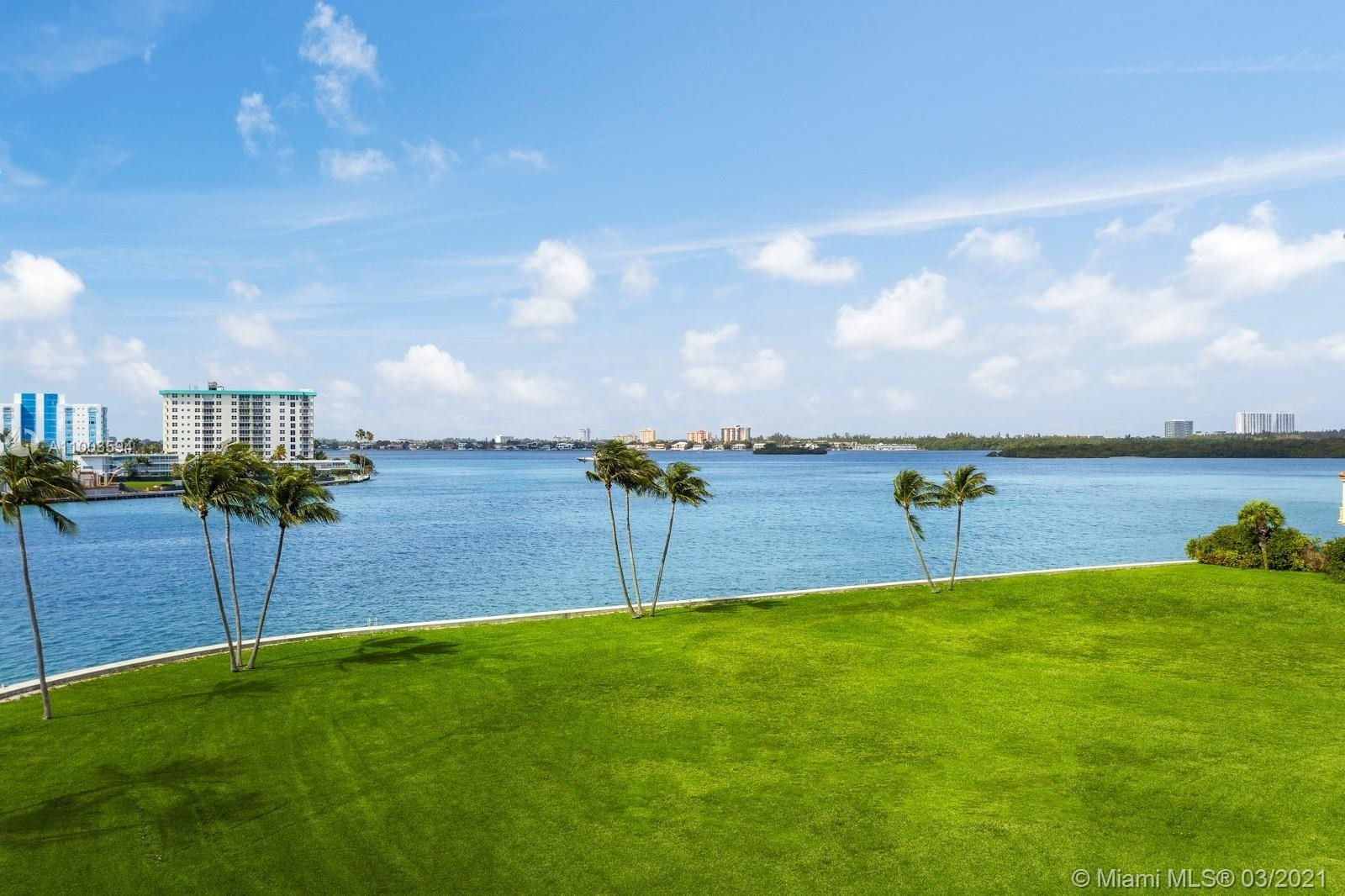 8. Single Family Homes for Sale at Bal Harbour, FL 33154