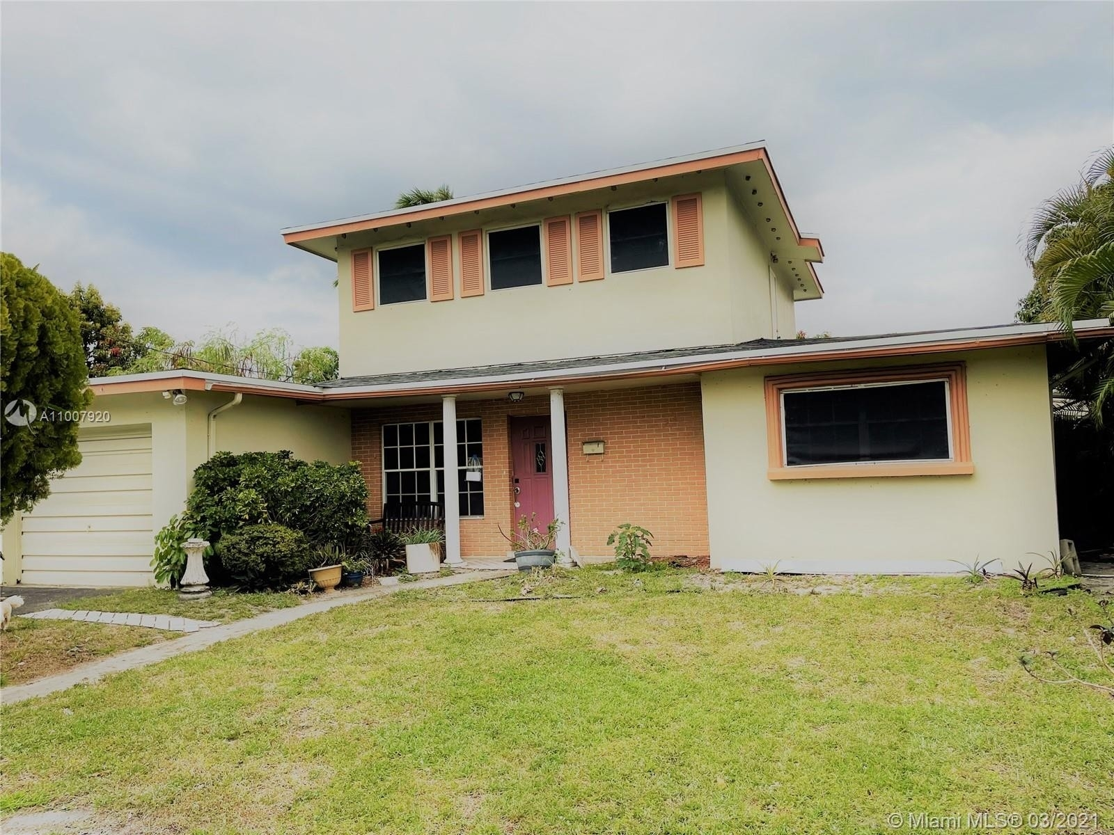 Single Family Home for Sale at Lauderdale Lakes North Gate, Lauderdale Lakes, FL 33309