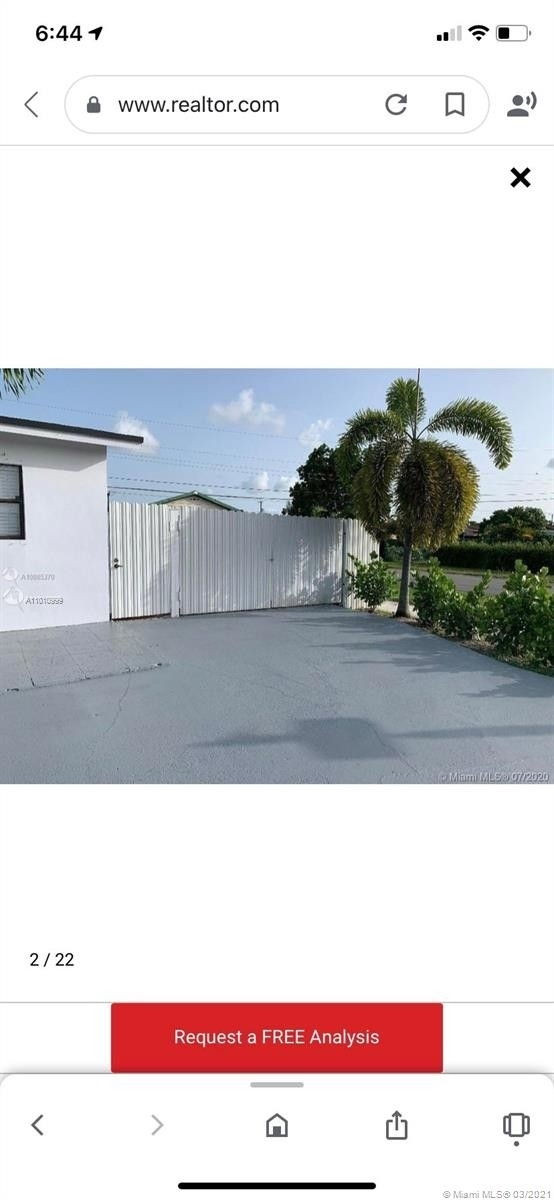18. Single Family Homes for Sale at Palm Springs North, Hialeah, FL 33015