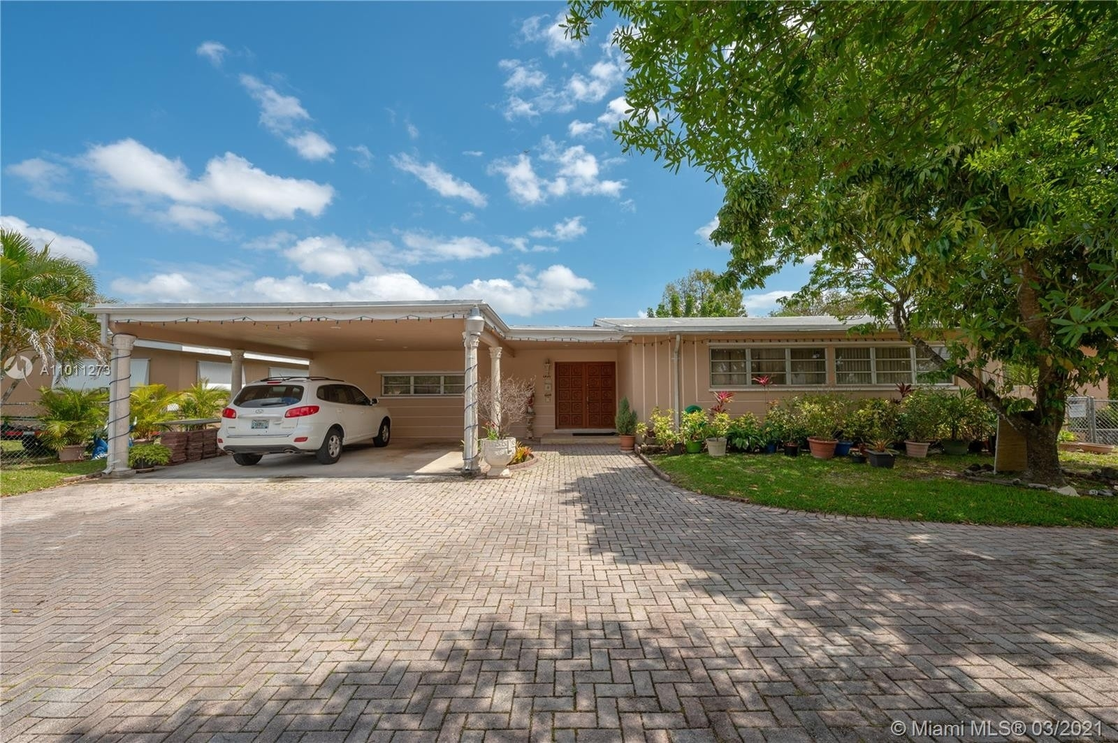 Single Family Home for Sale at Palm Springs, Hialeah, FL 33012