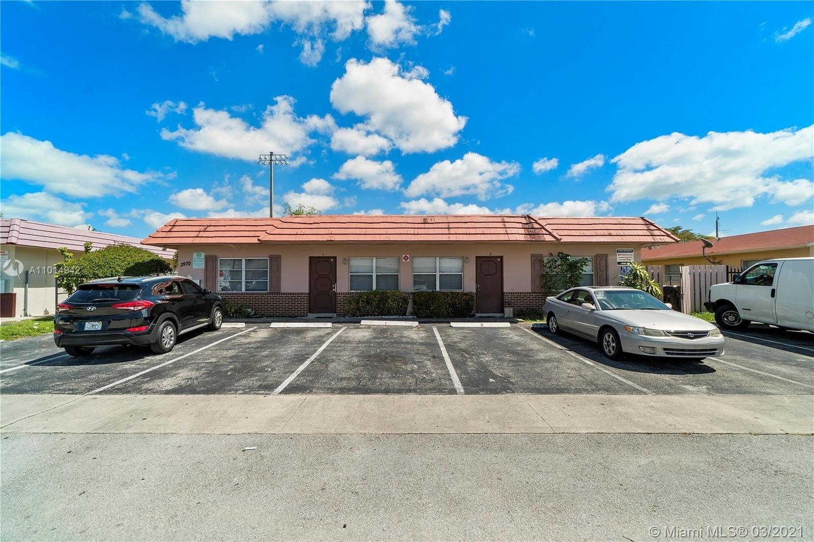 Commercial / Office for Sale at Oriole Estates, Lauderdale Lakes, FL 33309