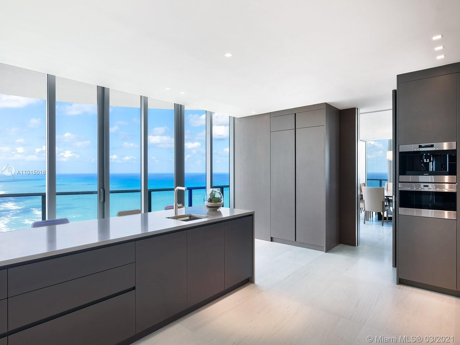 13. Condominiums for Sale at 19575 Collins Ave , 43 Sunny Isles Beach, FL 33160