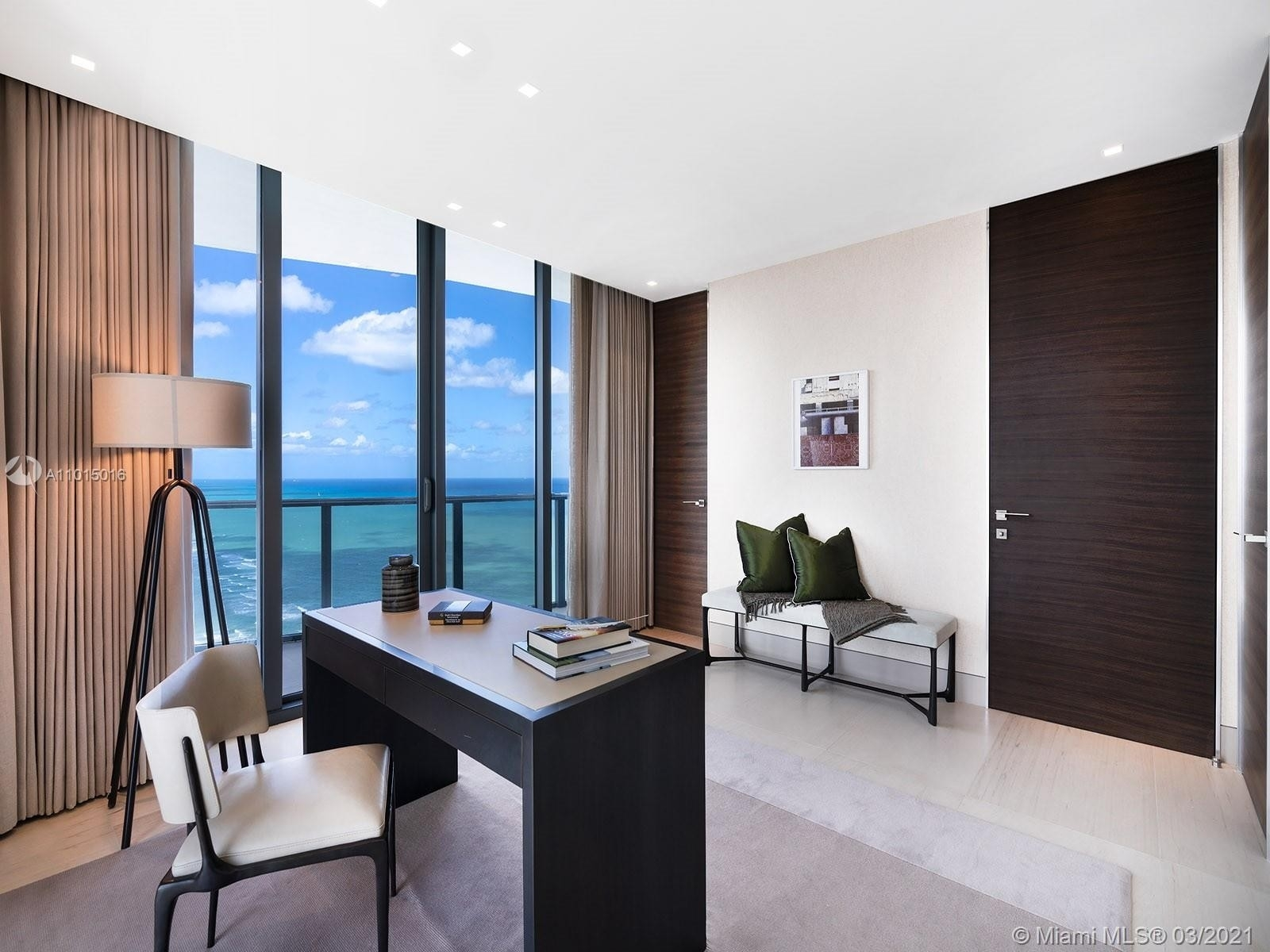 22. Condominiums for Sale at 19575 Collins Ave , 43 Sunny Isles Beach, FL 33160