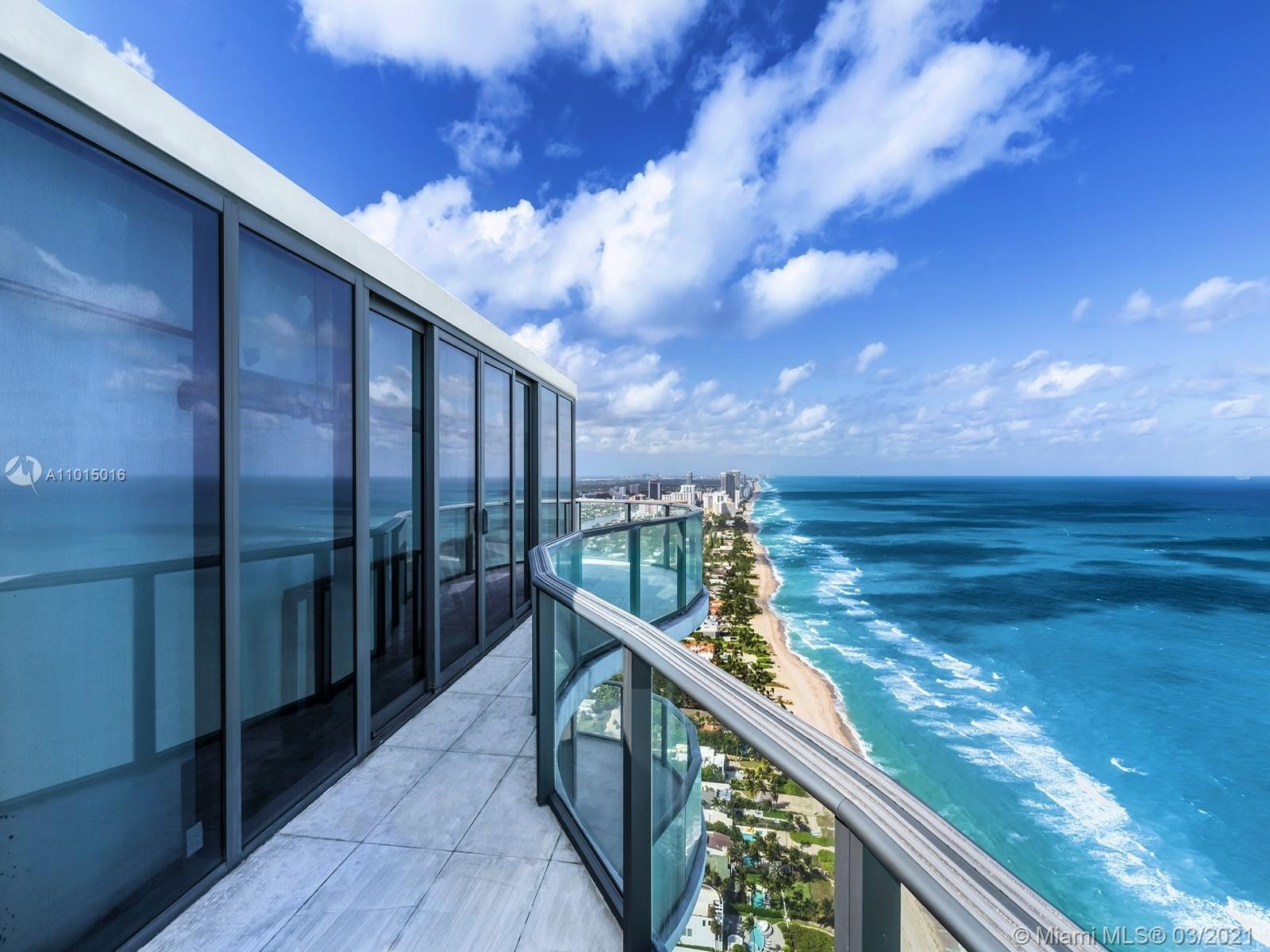 24. Condominiums for Sale at 19575 Collins Ave , 43 Sunny Isles Beach, FL 33160