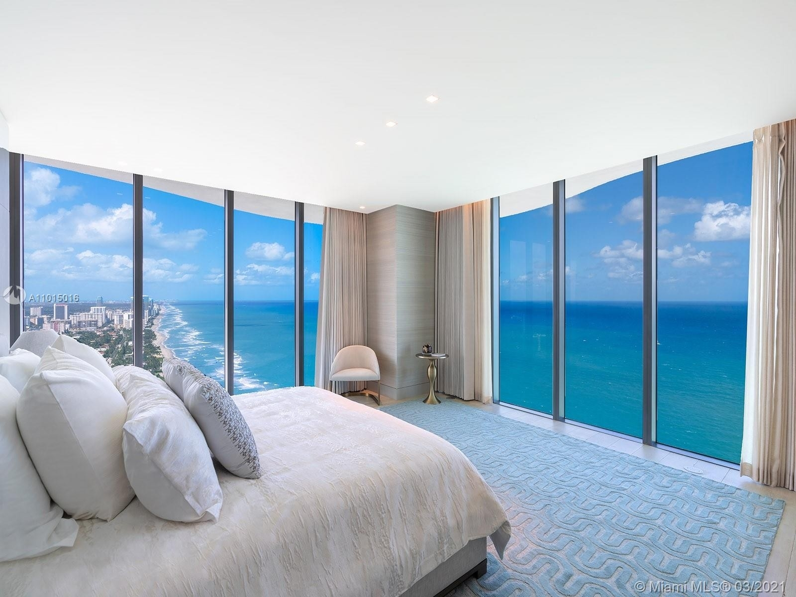 18. Condominiums for Sale at 19575 Collins Ave , 43 Sunny Isles Beach, FL 33160