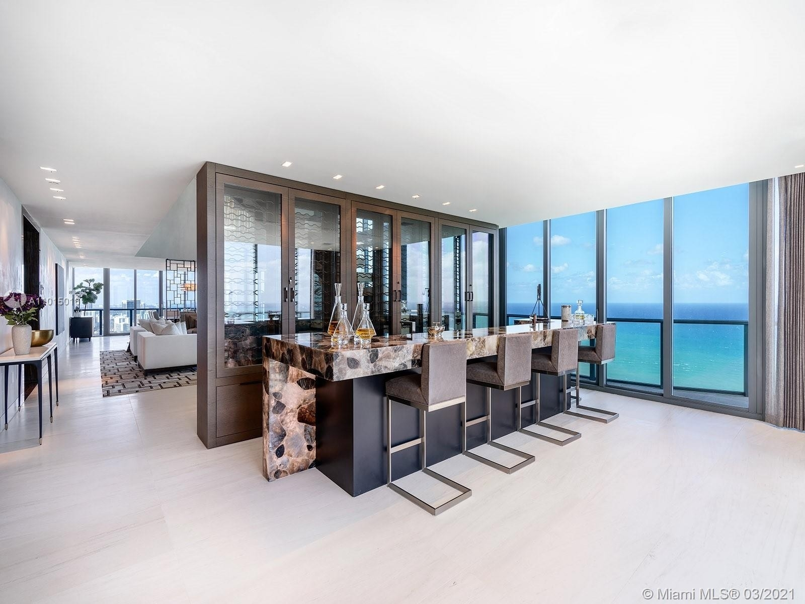 4. Condominiums for Sale at 19575 Collins Ave , 43 Sunny Isles Beach, FL 33160