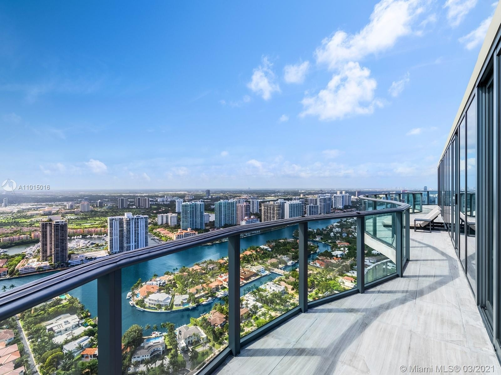 25. Condominiums for Sale at 19575 Collins Ave , 43 Sunny Isles Beach, FL 33160