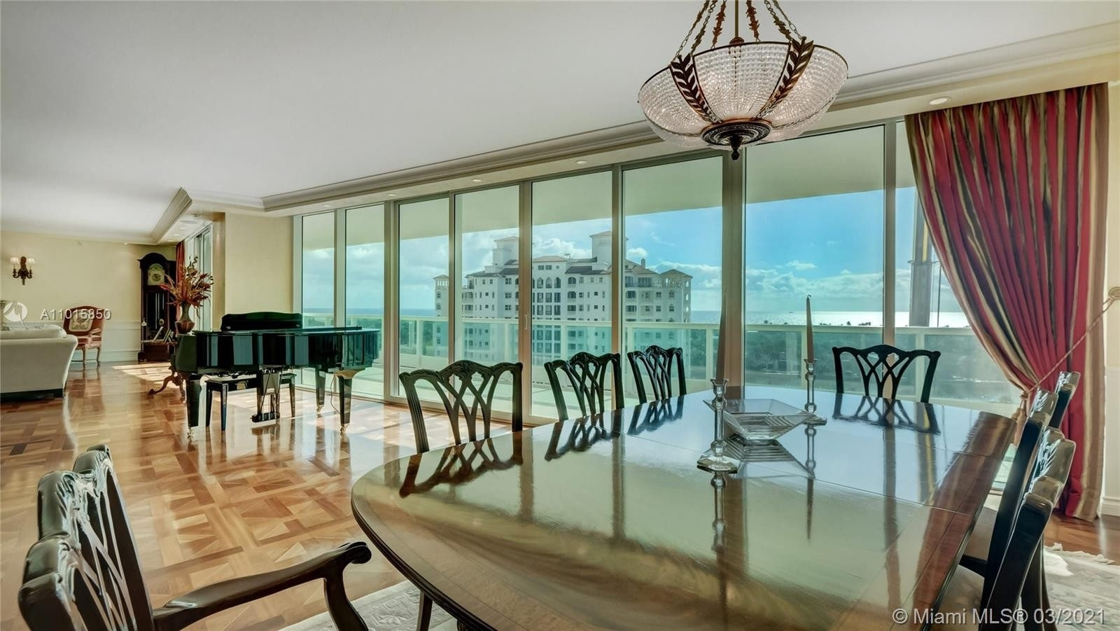 Condominium pour l Vente à 20155 NE 38th Ct , 1401 Biscayne Yacht and Country Club, Aventura, FL 33180