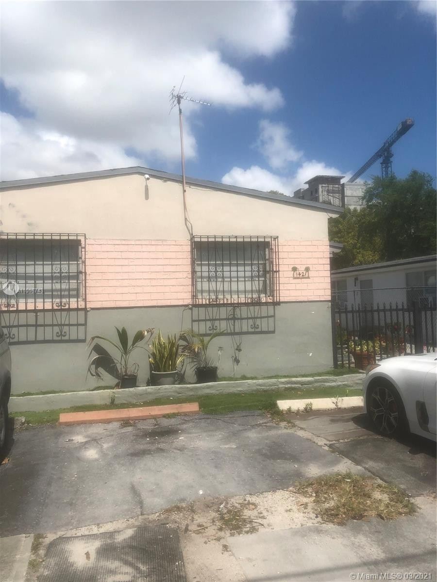Property en Beverly Heights, Miami, FL 33142