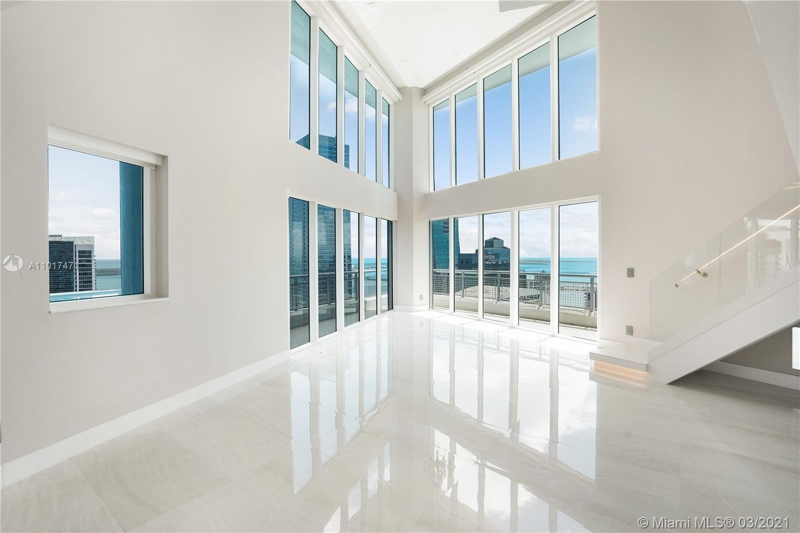 Condominium pour l Vente à 60 SW 13th St , 4200 Miami Financial District, Miami, FL 33130