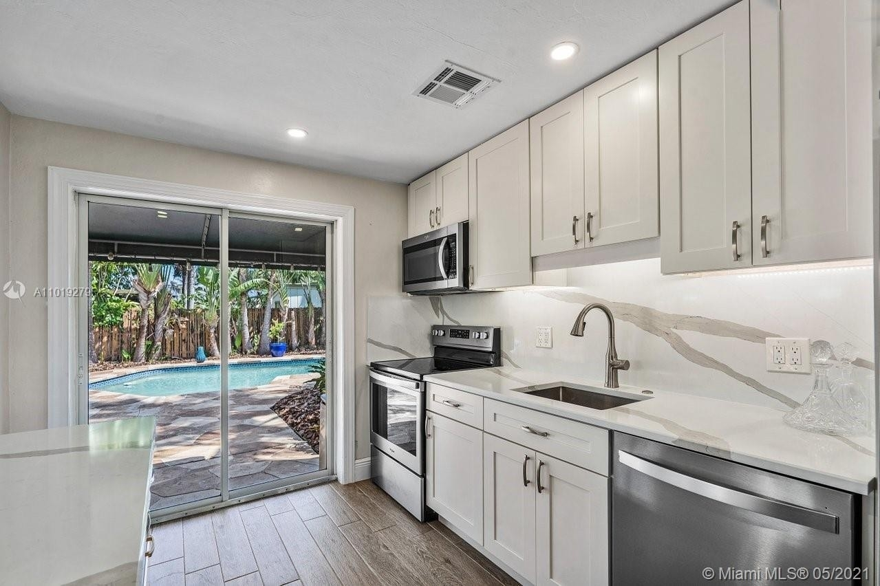 Single Family Home for Sale at North Andrews Garden, Oakland Park, FL 33334
