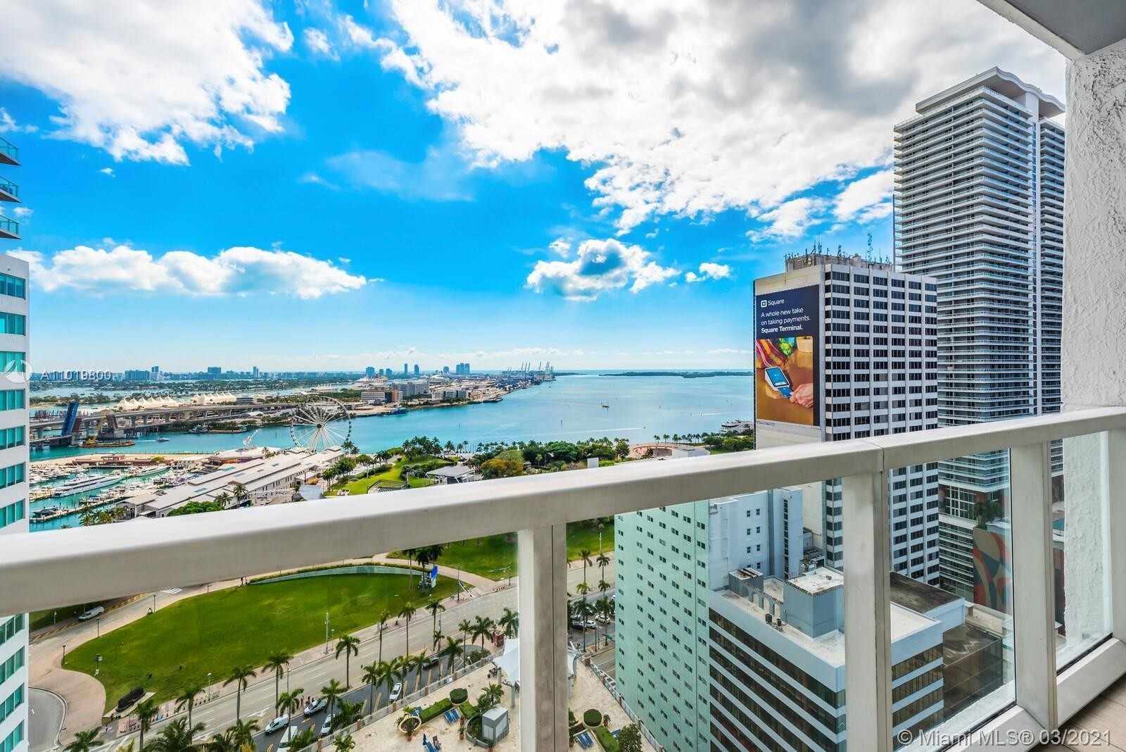 Condominium pour l Vente à 253 NE 2nd St , 2503 Miami Central Business District, Miami, FL 33132