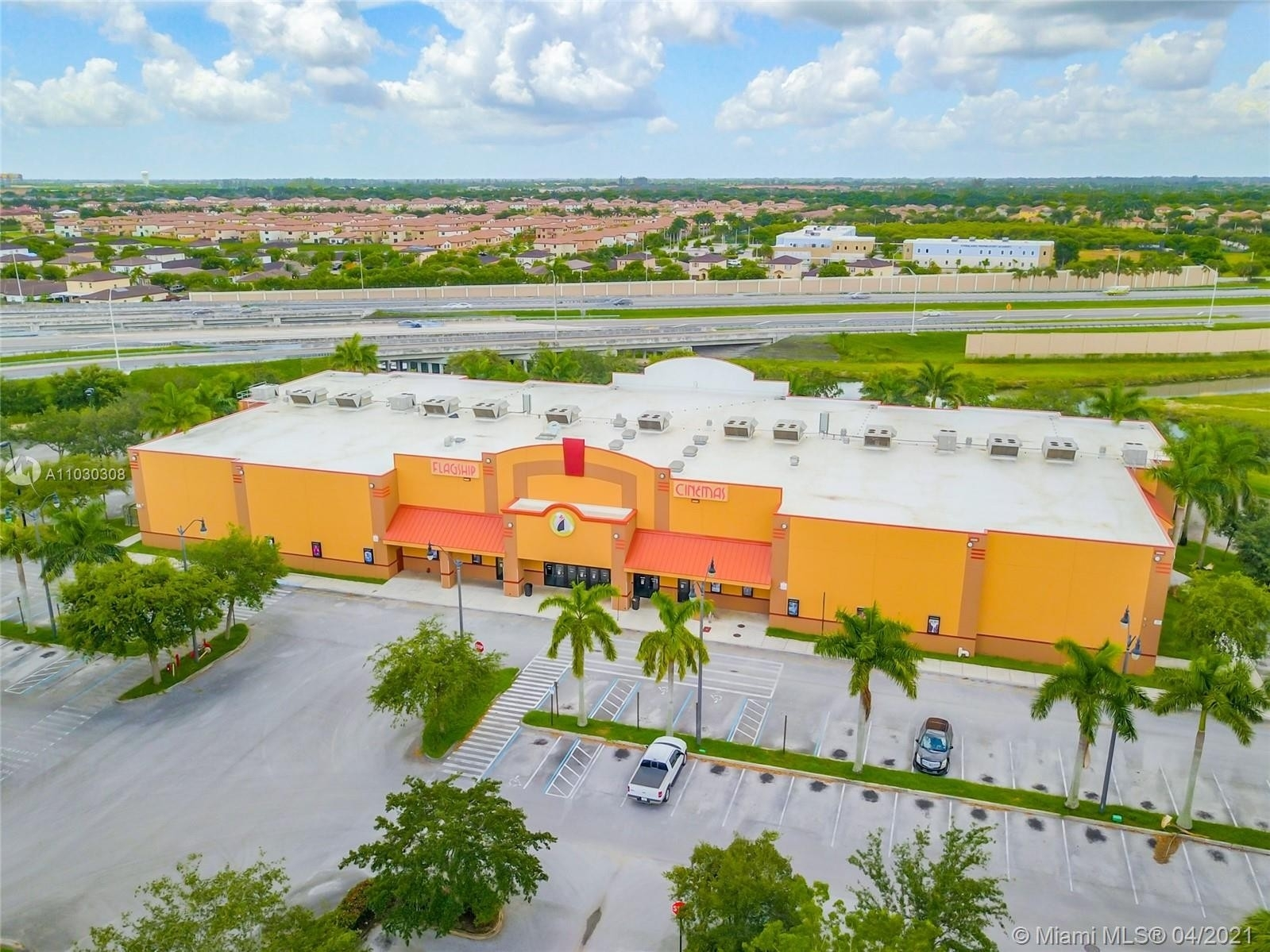 Commercial / Office for Sale at Homestead, FL 33033