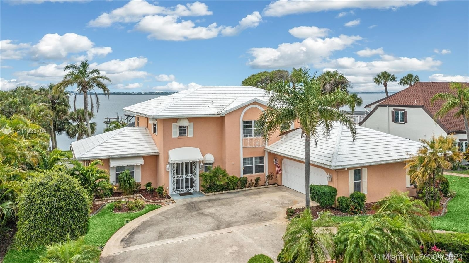 Single Family Home for Sale at Melbourne Beach, FL 32951