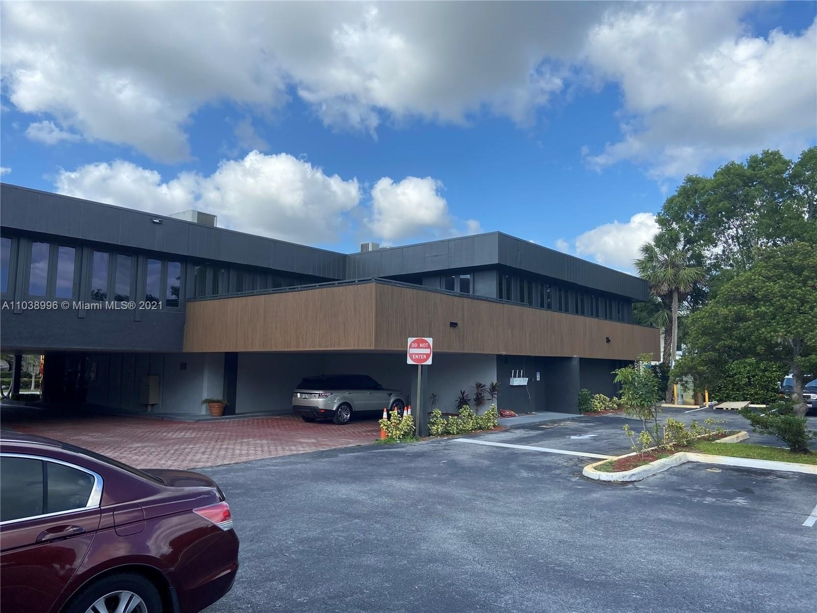 Commercial / Office for Sale at Plantation, FL 33317