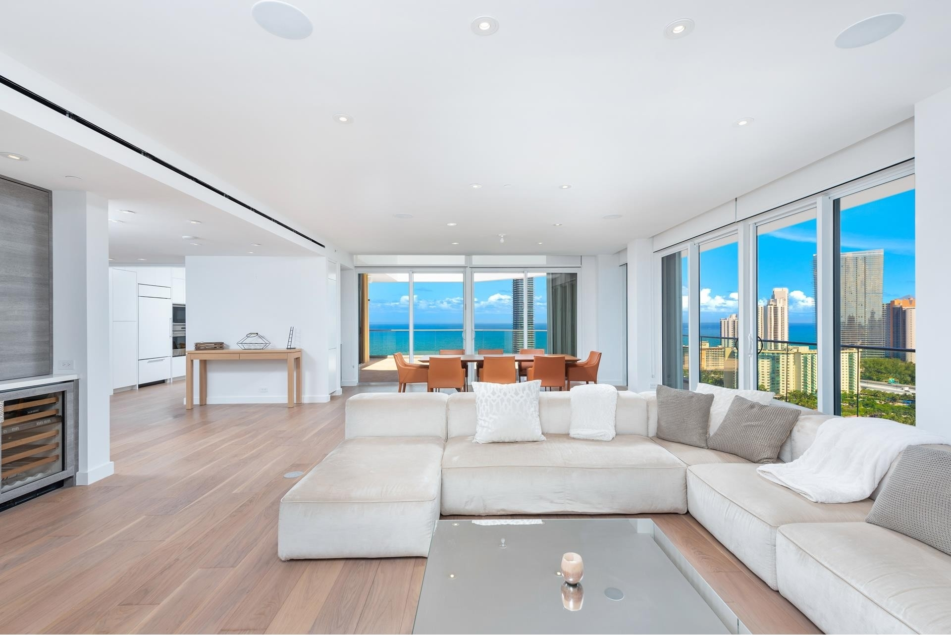 Condominium pour l Vente à 19707 Turnberry Way , TS-3 Biscayne Yacht and Country Club, Aventura, FL 33180