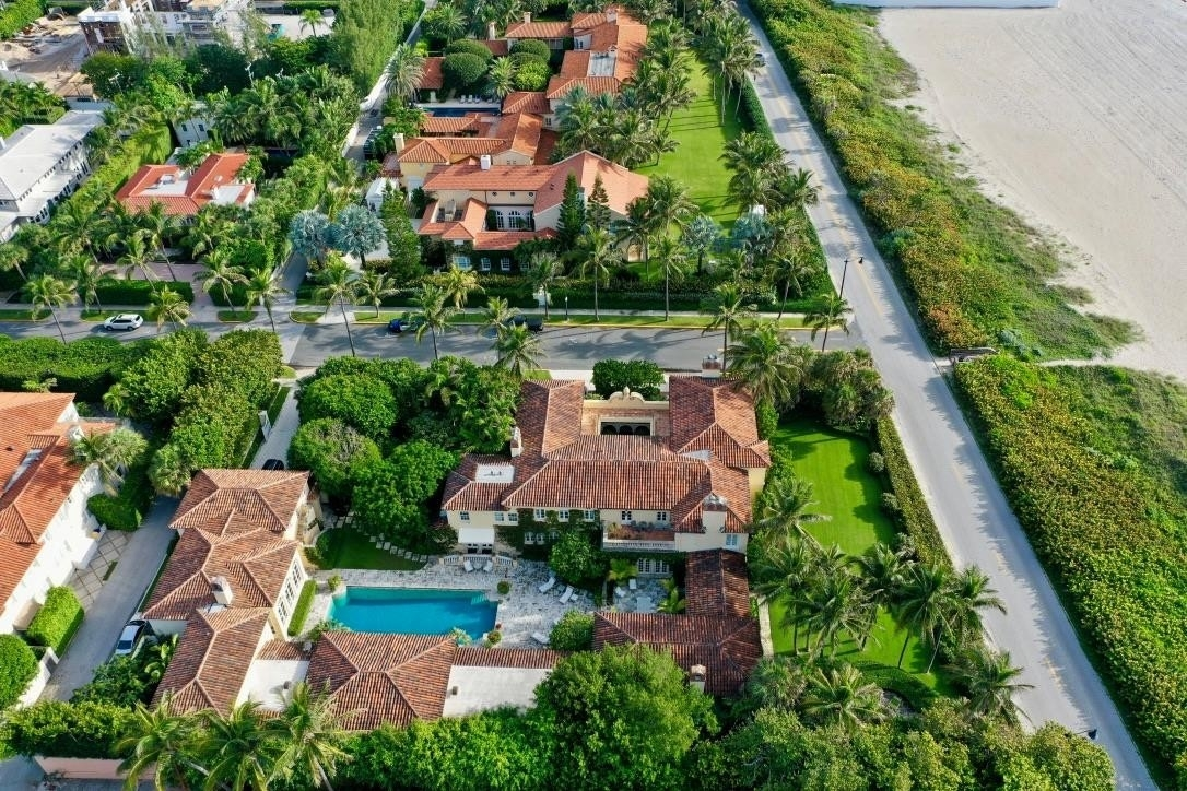 2. Single Family Homes for Sale at Palm Beach, FL 33480