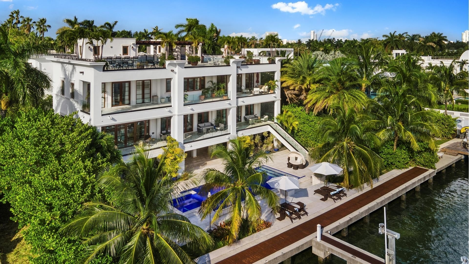 28. Single Family Homes for Sale at Palm Island, Miami Beach, FL 33139