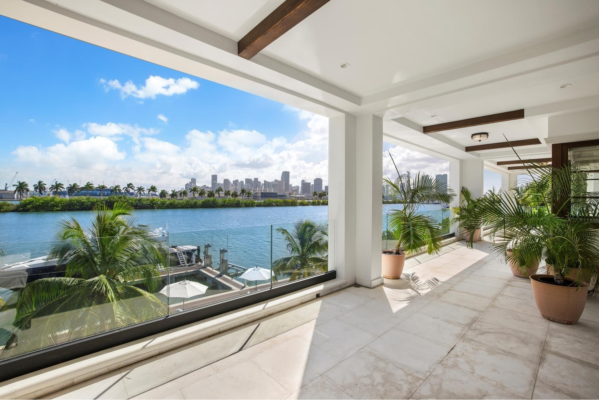 39. Single Family Homes for Sale at Palm Island, Miami Beach, FL 33139