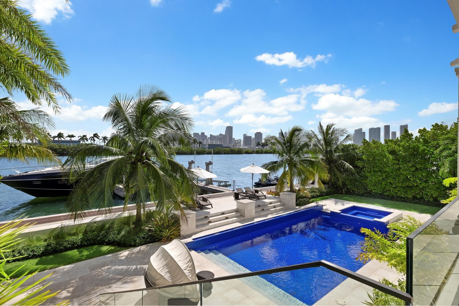 40. Single Family Homes for Sale at Palm Island, Miami Beach, FL 33139