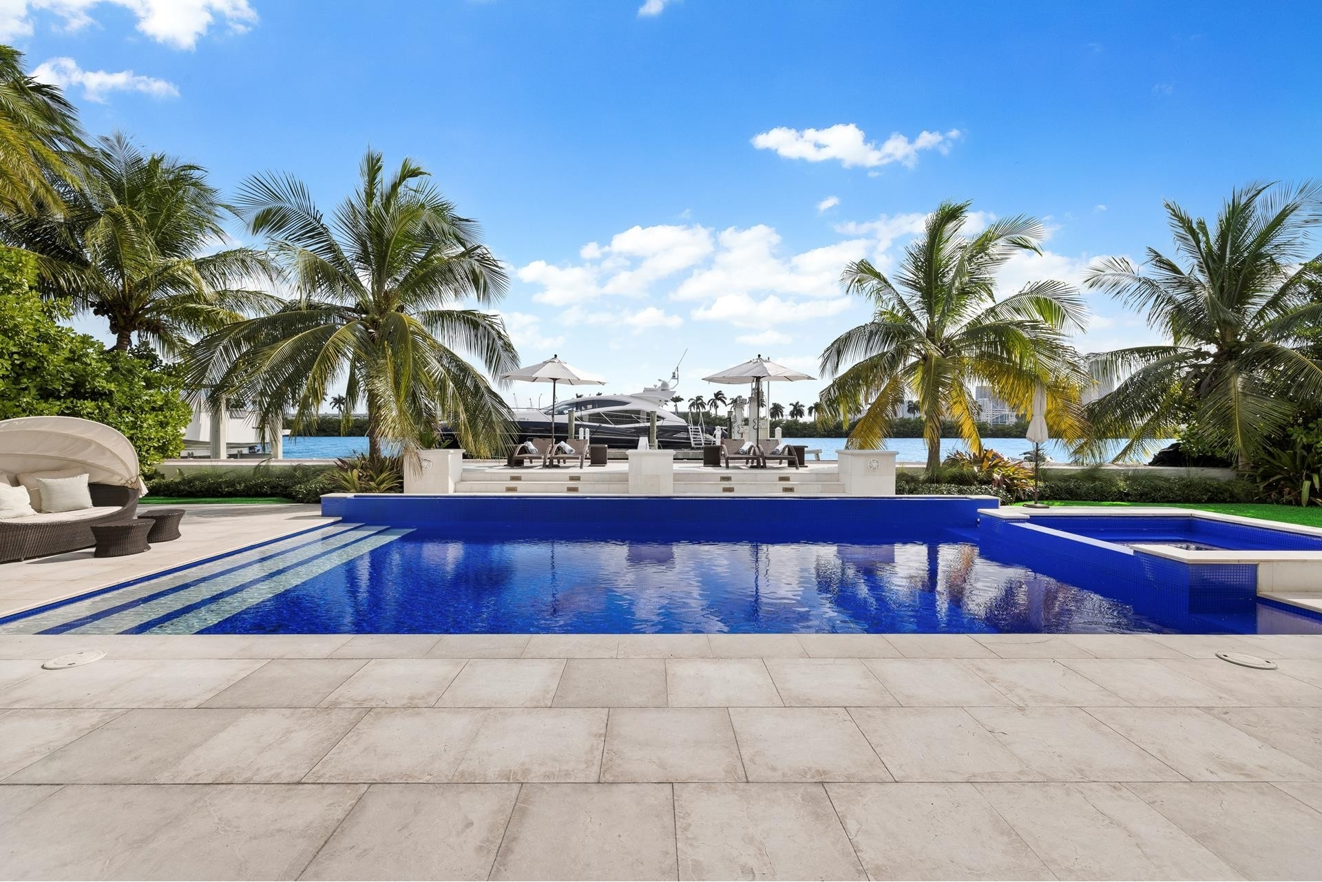 33. Single Family Homes for Sale at Palm Island, Miami Beach, FL 33139