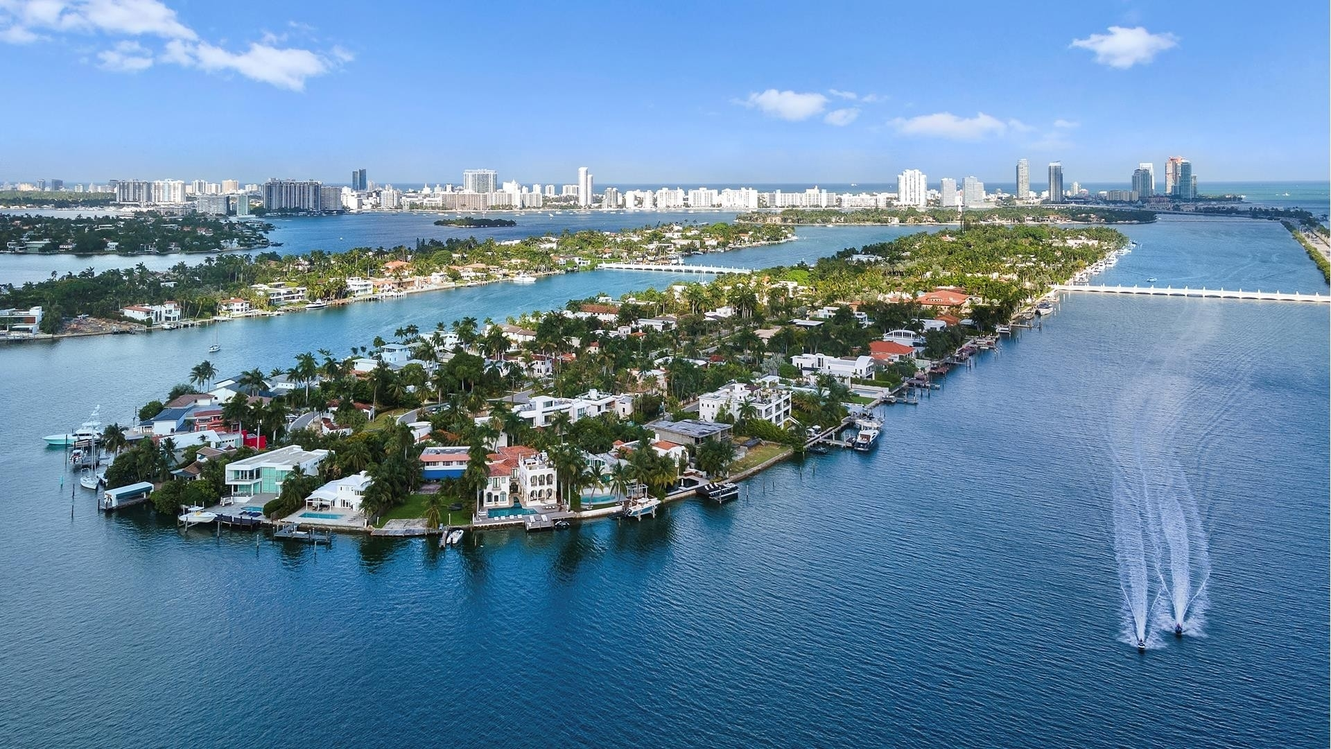 42. Single Family Homes for Sale at Palm Island, Miami Beach, FL 33139